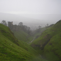 Walk to Peveril Castle